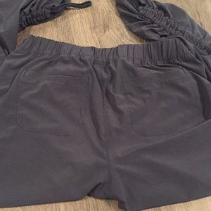 Athleta Pants - Athleta Aspire Ankle Pants size 2
